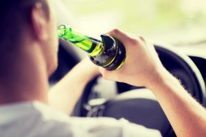 driving while intoxicated Springfield - man drinking and driving